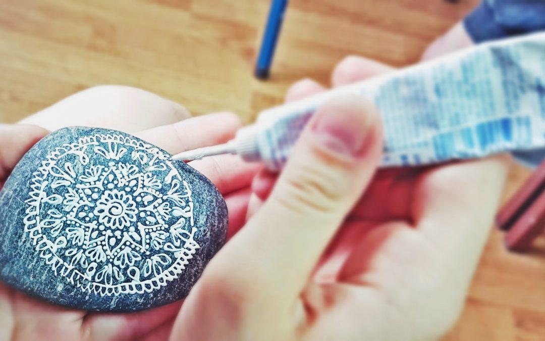 Delavnica slikanja MANDALE na kamen