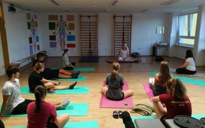 Začetek tečaja joge